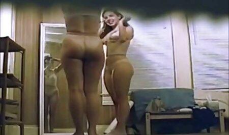 Webcam-Mädchen spielt mit Cumshot-Gerät und deutsche sexfilme privat rasiert sich dann unter der Dusche