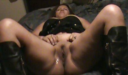 Striptease 3: Jasmine zieht kostenlosepornos mit alten frauen sich bei Big Brother völlig nackt aus