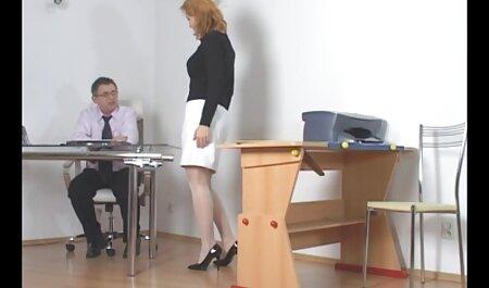 Mädchen masturbiert und deutsche pornofilme frei spritzt vor der Webcam