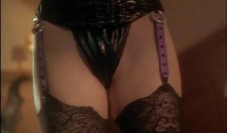 Lovely deutsche pornos gucken Big-Ass Redhead nimmt es in den Arsch