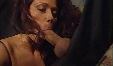 Cremige deutschsprachige pornos kostenlos Muschi wird langsam und tief gefickt.