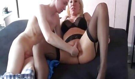 Teen Turner masturbiert mit Giant Dlido free pornos deutsche & Fingers Her Ass